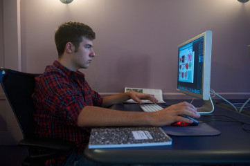 Student in the Theresa Lang Center for Producing