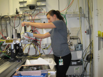 Student works in MMC laboratory