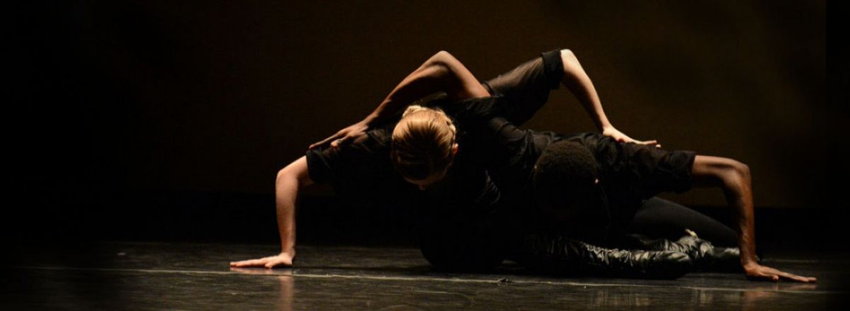 Choreography by Lar Lubovitch Photo by Eduardo Patino